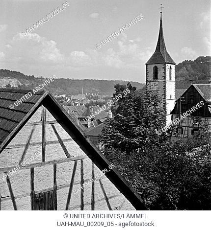 Blick auf die evangelische Stadtkirche und die Stadt Sulz am Neckar, Deutschland 1930er Jahre. View to the protestant church and the town of Sulz at river...