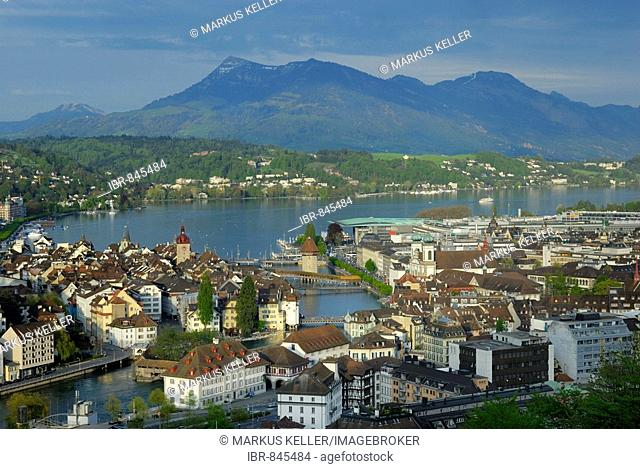 View of the historic centre at the Vierwaldstaettersee Lake and the mouth of the Reuss River, Luzerne, Canton of Luzerne, Switzerland, Europe