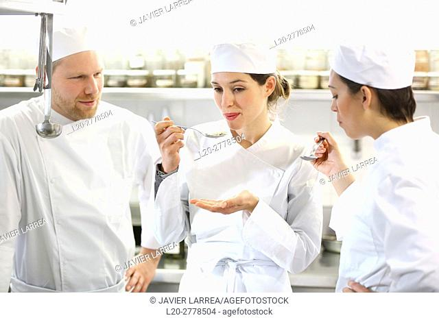 Chef trying food, Cook in cooking school, Cuisine School, Donostia, San Sebastian, Gipuzkoa, Basque Country, Spain, Europe