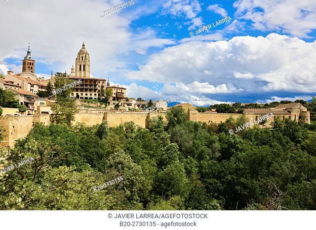 Ronda de Don Juan II and city walls, Segovia, Castilla-Leon, Spain