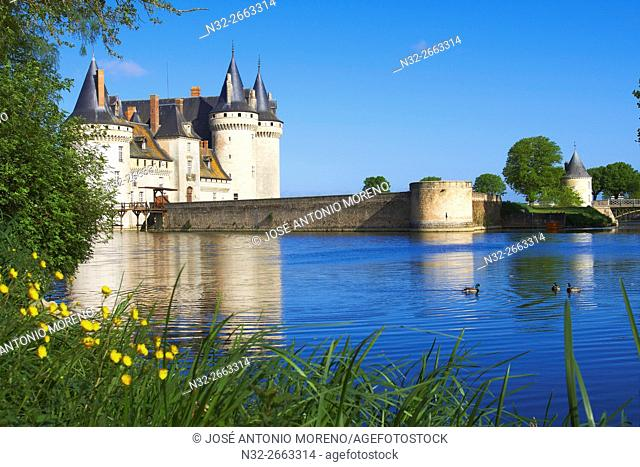 Sully sur Loire, Castle, Chateau de Sully sur Loire, Loire Valley, UNESCO World Heritage Site, Loire River, Loiret department, Centre region, France, Europe