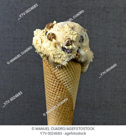 Ron con pasas (sweet rum) ice cream