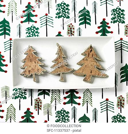 Cork Christmas trees with a sliver edge