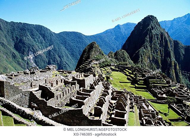 Machu Picchu Inca ruins and Huayna Picchu, Peru