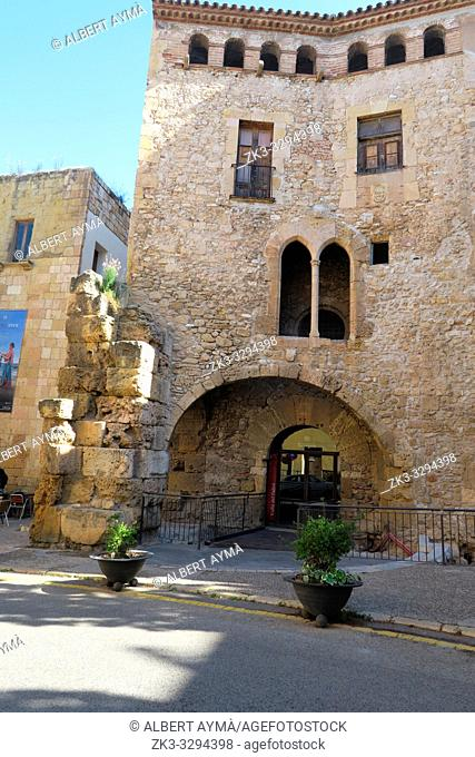 Plaça Pallol, Tarragona, Catalonia, Spain