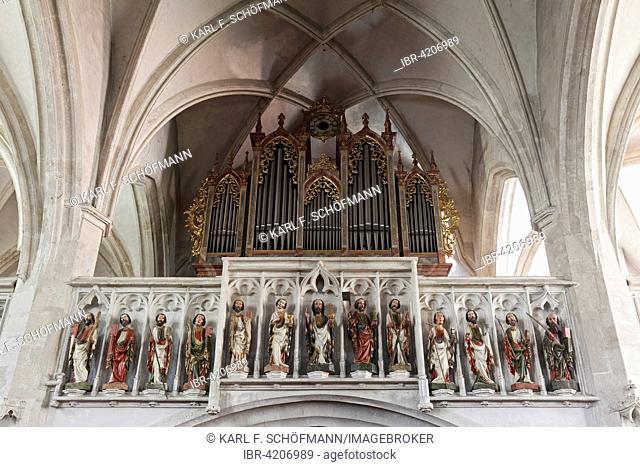 Organ with Gothic wooden sculptures at the gallery, Christ with the twelve apostles, parish church of St. Mauritius, Spitz, Wachau, Waldviertel, Lower Austria