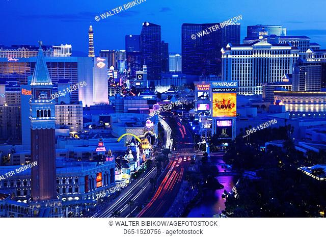USA, Nevada, Las Vegas, The Strip, Las Vegas Boulevard, high vantage view, dusk