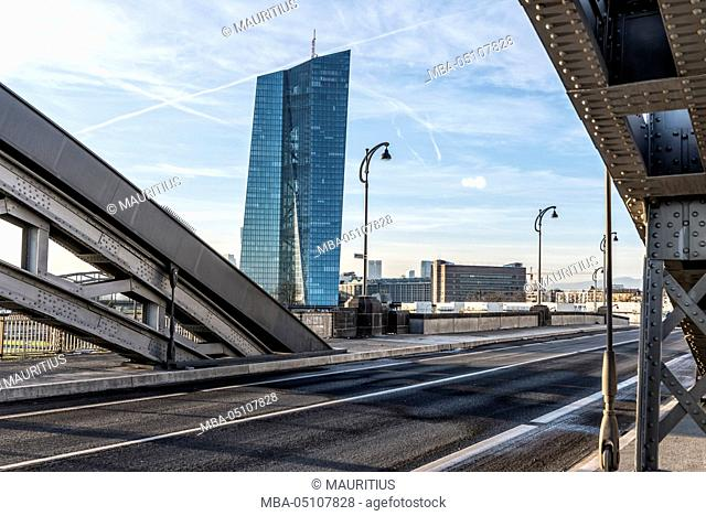 Germany, Hesse, Frankfurt on the Main, the Main river, view to the new building of the European Central Bank and the new Honsellbrücke