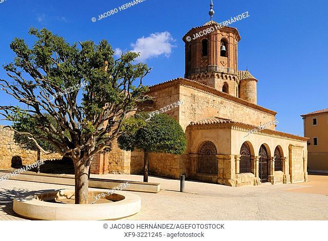 Romanesque church of San Miguel. Almazán. Soria province. Castilla y León. Spain