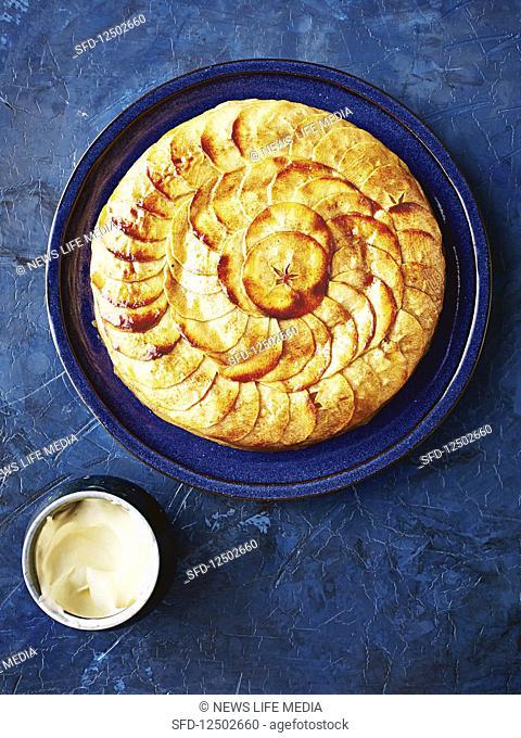 Thousand-layer apple tart