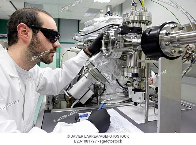 Controlling deposition of various organic and inorganic materials by evaporation, Deposition laboratory, UHV dual chamber evaporator, CIC nanoGUNE