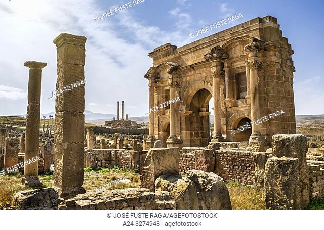 Algeria, Timgad City, Roman ruins of Timgad, UNESCO, (W. H. ) Trajan's Arch and the Capitol