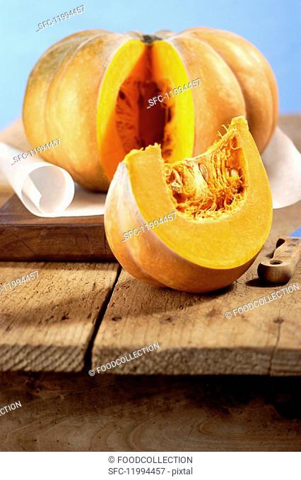 A sliced Muscade de Provence pumpkin