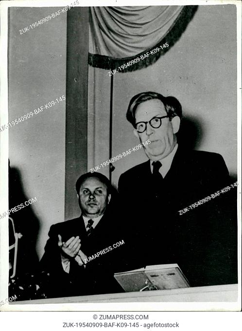 Sep. 09, 1954 - Prof Bernal in Moscow (Credit Image: © Keystone Press Agency/Keystone USA via ZUMAPRESS.com)