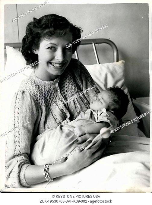 Jul. 08, 1953 - British Tennis Star and Her Infant Daughter - Linda Cornell and Trudy Ann - Keystone Photo Shows:- Twenty year old Linda Cornell famous British...