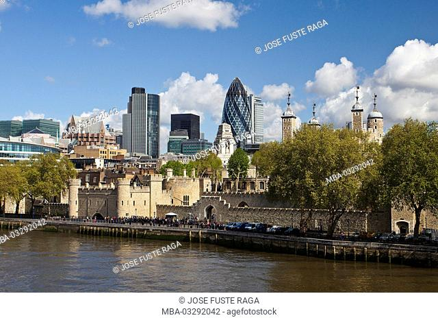 Great Britain, London, bank of River Thames, Tower, townscape, skyline