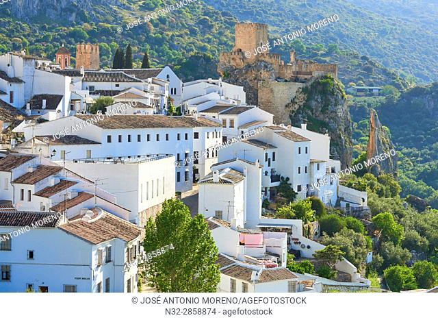 Zuheros, Castle and village, Sierra de la Subbetica, Route of the Caliphate, Cordoba, Andalusia, Spain