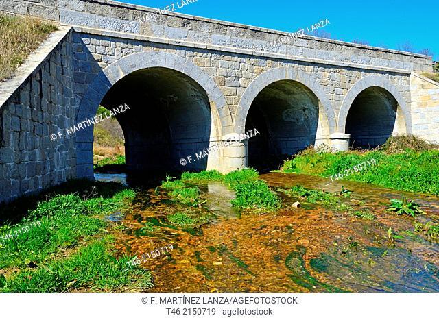 Bridge, Río Perales, Navalagamella, Madrid province, Spain