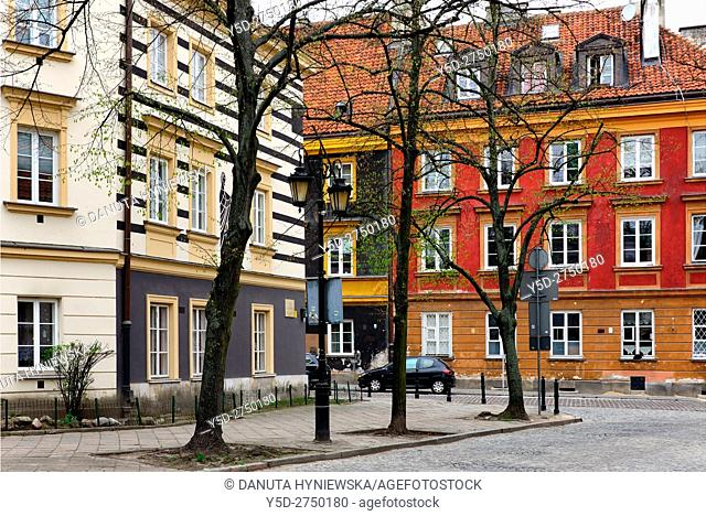 Architecture, Rynek Nowego Miasta, New Town Market Place, Koscielna street in background, Warsaw, Poland, Europe