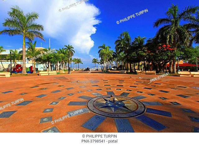 Mexico, Quintana Roo, Cozumel Island. San Miguel de Cozumel. Plaza del sol