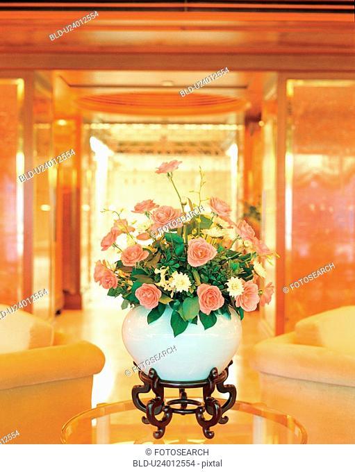 table, construction, flowervase, flower, interior, film