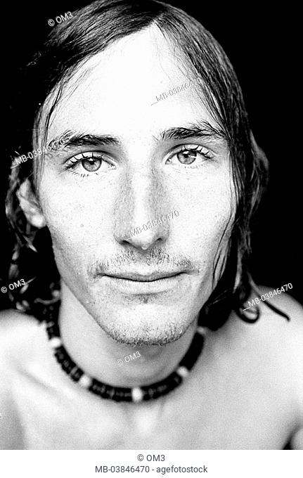 Climbers, Bernhard Fiedler, portrait, s/w, broached, personality-rights, series, heed people, men's-portrait man young, gaze camera, necklace