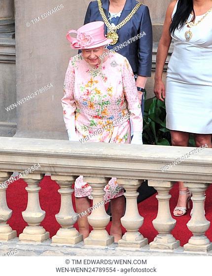 Queen Elizabeth II visits Liverpool Town Hall Featuring: Queen Elizabeth II Where: Liverpool, United Kingdom When: 22 Jun 2016 Credit: Tim Edwards/WENN