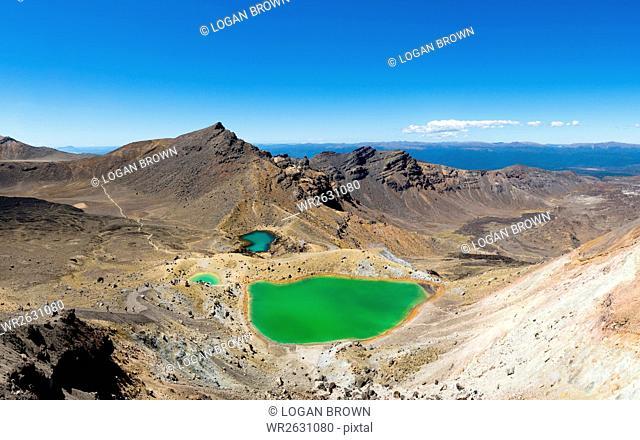 The Tongariro Crossing crosses 19 kilometers of the barren, volcanic desert, Tongariro National Park, UNESCO World Heritge Site, North Island, New Zealand