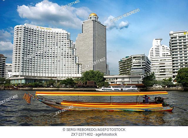 Chao Praya Express Boat Bangkok, Public boat, ferry. Bangkok. Asia. Shangri La Hotel. The Chao Phraya river makes a great way to get around