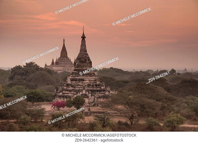 Sunrise across the stupa-filled Bagan horizon