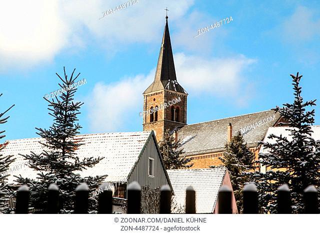Güntersberge im winterlichen Harz Kirche