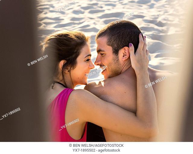 Spain, Cadiz, Tarifa, Happy couple