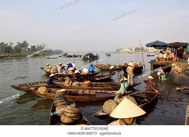 Vietnam, Quang Nam province, Hoi An Harbour, Fish market