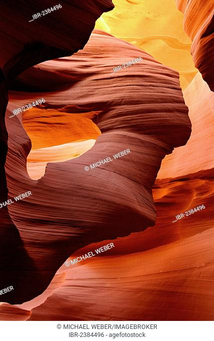 Lady in the Wind rock formation, red sandstone of the Moenkopi Formation, rock formations, colours and structures at Lower Antelope Slot Canyon