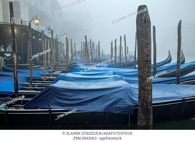 Foggy morning in the sestier of San Marco, Venice, Italy