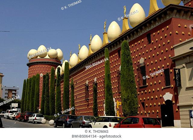 Salvatore Dali Museum with eggs of pidgeons on the top, Gerona, Spain, Catalania, Figueres
