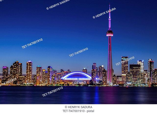 Canada, Ontario, Toronto, Skyline at night