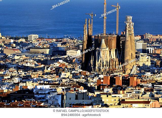 Barcelona general view with Basílica i Temple Expiatori de la Sagrada Familia, Basilica and Expiatory Church of the Holy Family