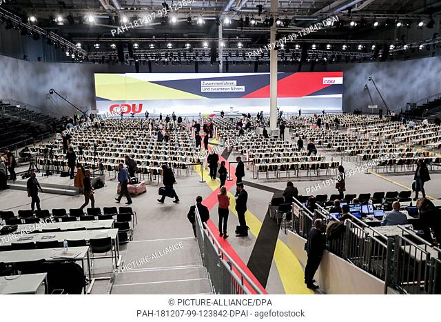 07 December 2018, Hamburg: The hall for the 31st CDU federal party conference is slowly filling up in the early morning. Photo: Kay Nietfeld/dpa