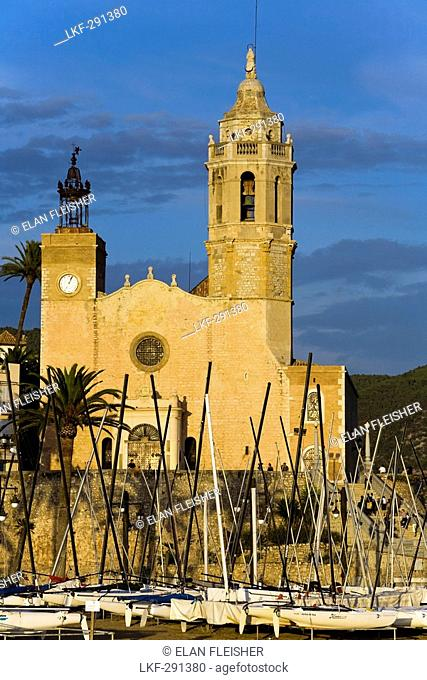 The Cathedral La Punta in the light of the evening sun, Sitges, Catalonia, Spain, Europe