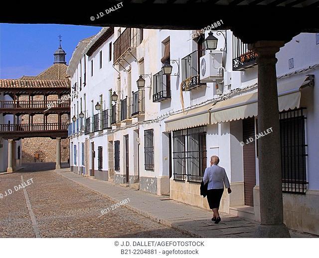 Plaza Mayor (main square) at Tembleque, Toledo province, Castilla-La Mancha, Spain