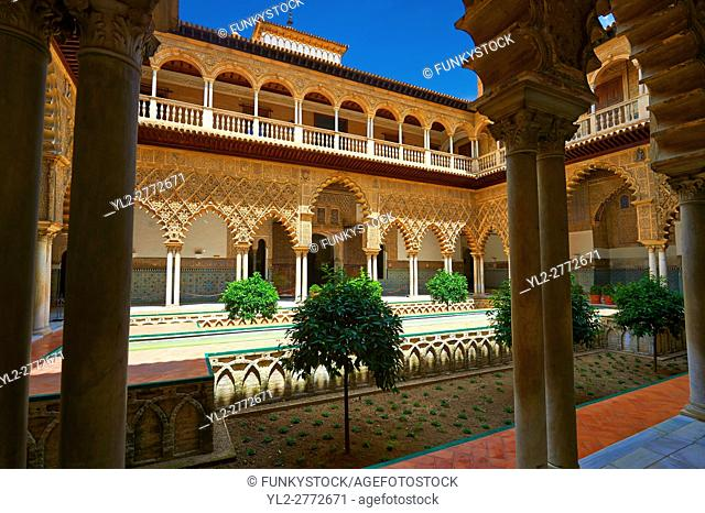 Patio de las Doncellas (Courtyard of the Maidens) an Italian Renaissance courtyard (1540-72) with Arabesque Mudéjar style plaster work, Alcazar of Seville
