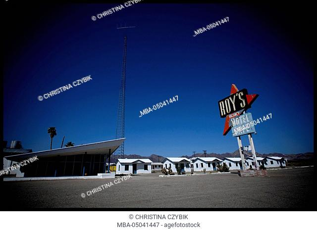 Roadtrip: Route66 through California Roy's Motel and Cafe in Amboy, California