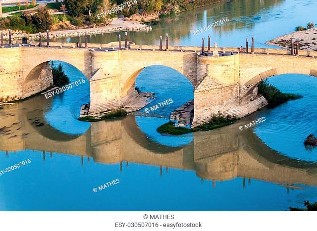 Puente de Piedra (Stone bridge) in Zaragoza, Spain