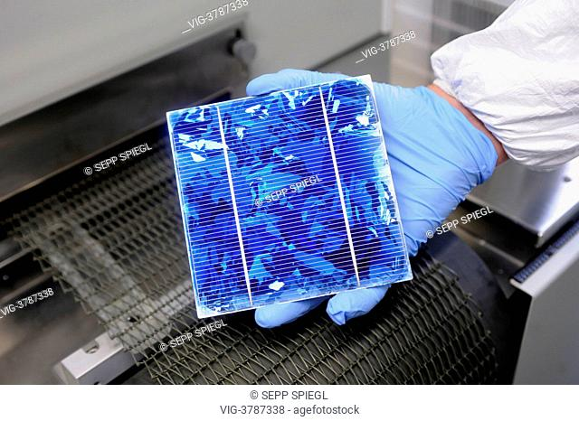 Germany, Gelsenkirchen, The Laboratory and Service Center (LSC) of the Fraunhofer Institute for Solar Energy Systems. With a silver paste the wafer front and...