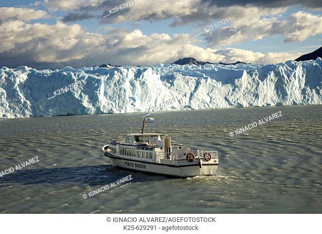Boat. Perito Moreno glacier. Los Glaciares National Park. Santa Cruz province. Patagonia. Argentina
