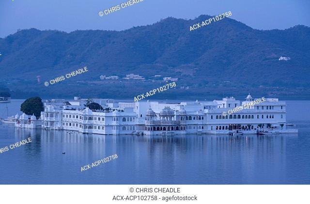 Lake Palace on Lake PIchola, Udaipur, Rajastan, India
