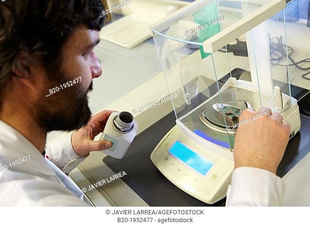 Precision balance. Chemical Analysis Laboratory. Technological Services to Industry. Tecnalia Research & Innovation, Donostia, San Sebastian, Gipuzkoa