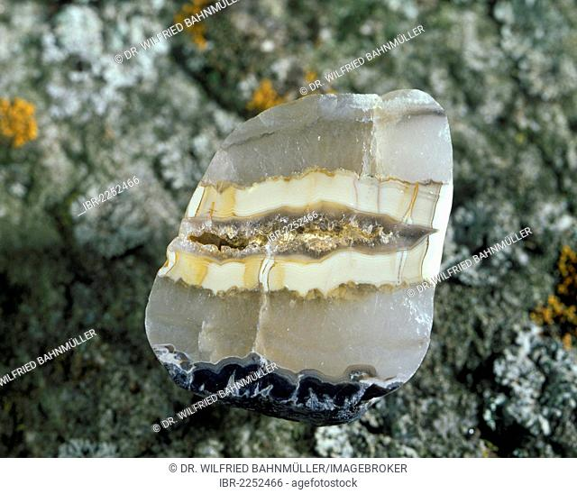 Chalcedony with enclaves of Agage from the Eifel mountains, Germany