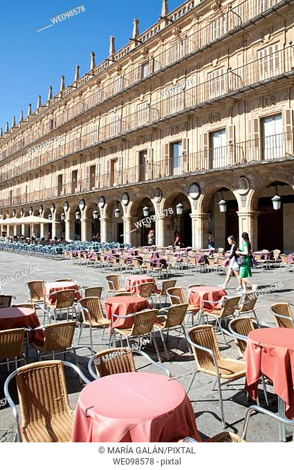 Terraces in Plaza Mayor. Salamanca, Castilla León, Spain